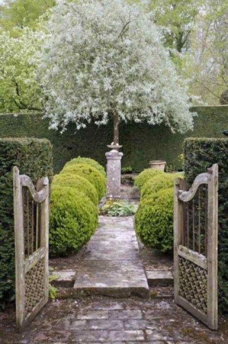 Laura Casey Interiors Garden 7