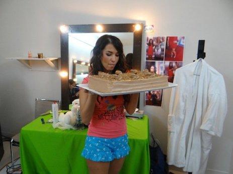 El regalo de Lore Lore... Mi pastel favorito directo desde Monterrey