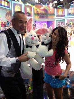 El mago Frank y el Conejo Blas fueron parte de la fiesta.... Me regalaron un Conejo!!!!