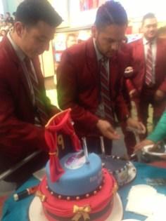 El Recodo entrándole al pastel de Omar