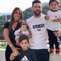 Esposa de Leo Messi posa en mini-bikini y enloquece a la red