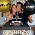 Adrián Uribe publica tierna imagen de la pancita de embarazo de su novia