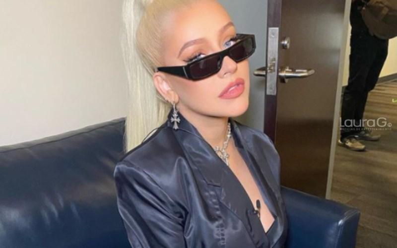 Christina Aguilera publica atrevida foto de su look