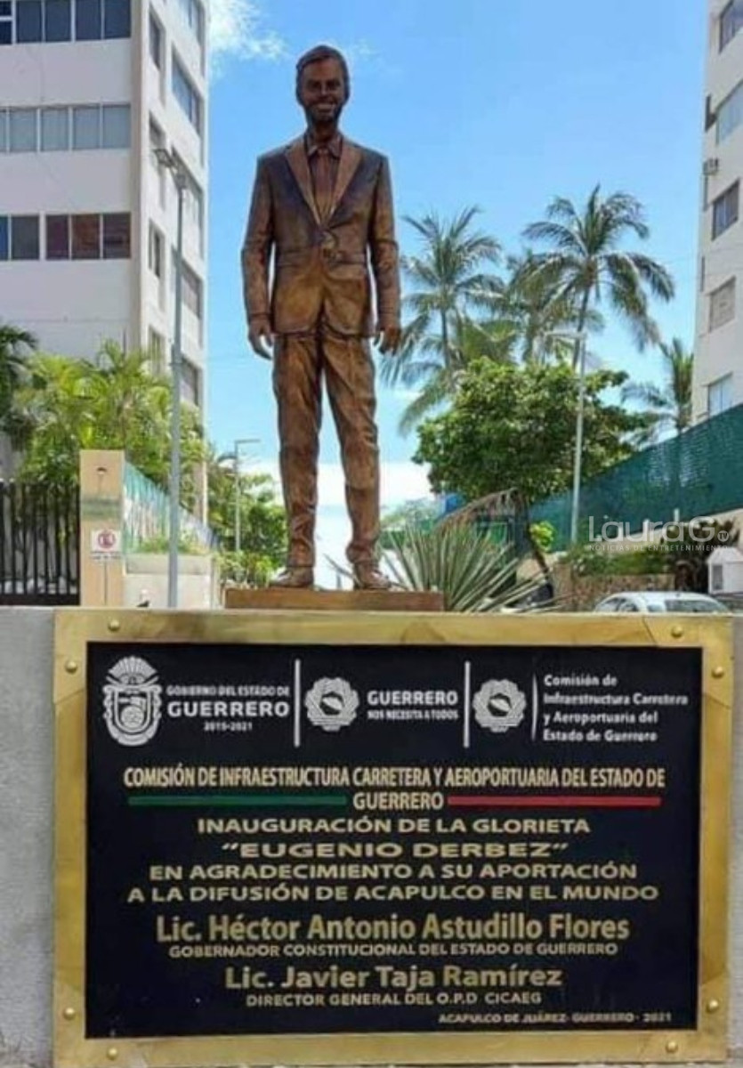 estatua derbez