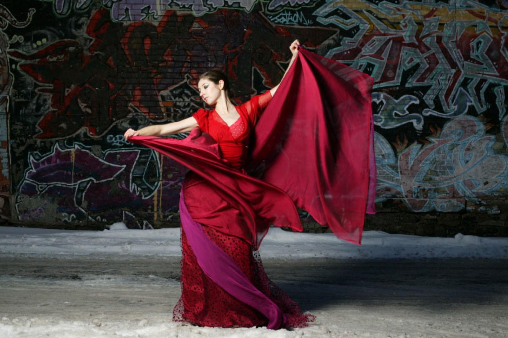 Laüra Hollick Red Gallery