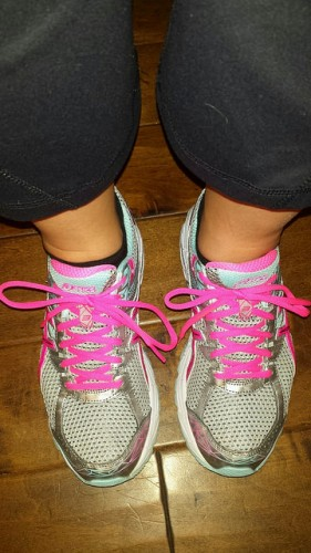 My new running kicks, in pink and blue!