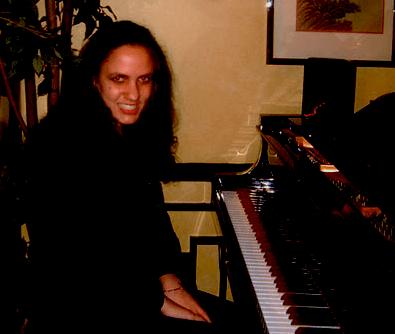 laura piano1