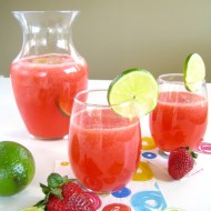 Refreshing Strawberry Limeade {or Lemonade!}
