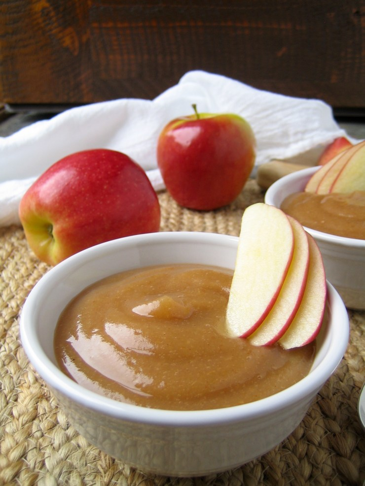 Easy Homemade Autumn Spiced Applesauce in the Crock Pot