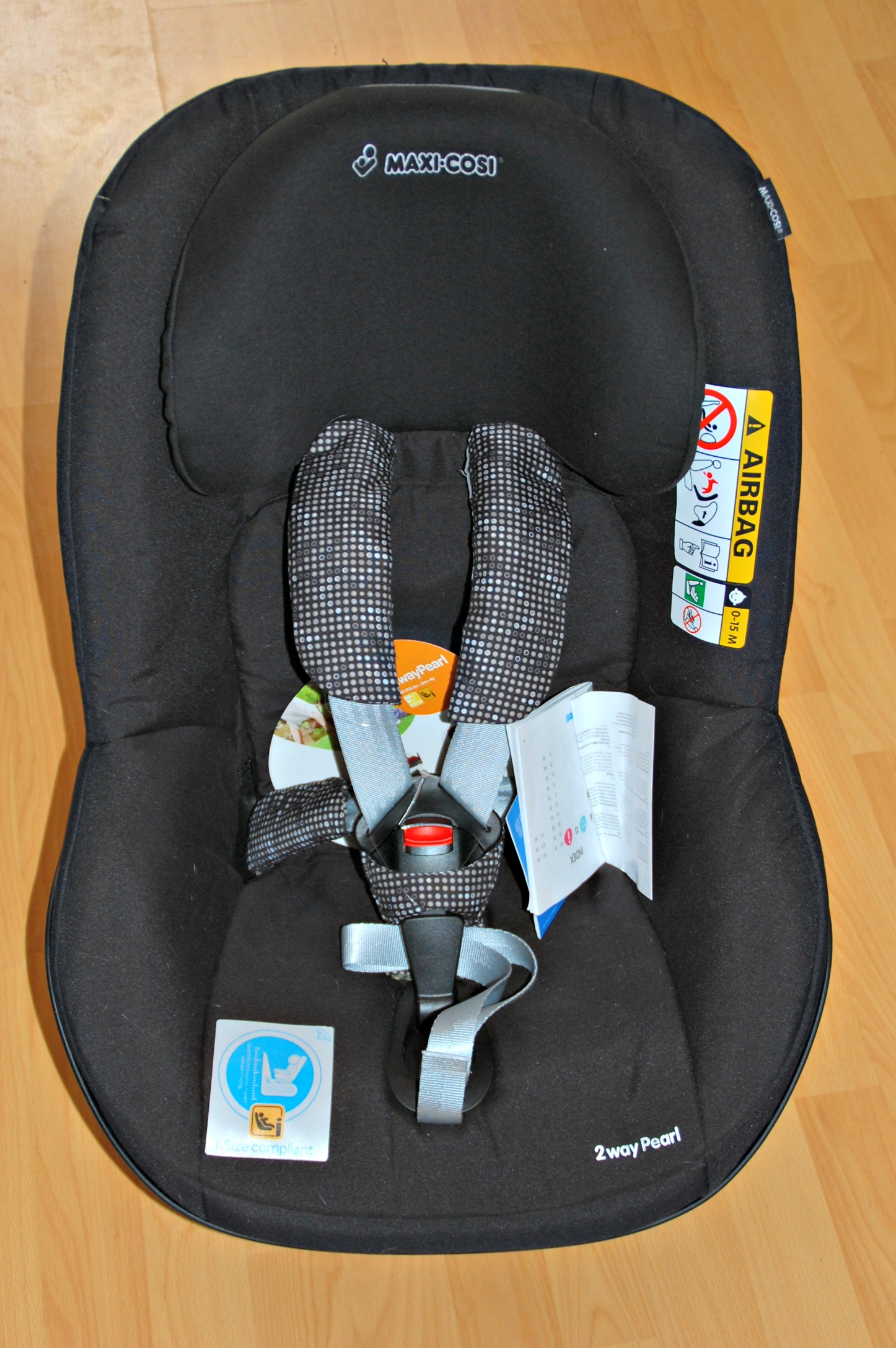 review maxi cosi 2 way pearl toddler car seat with a 1 and 3 5 year old laura 39 s lovely blog. Black Bedroom Furniture Sets. Home Design Ideas