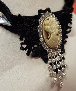 Choker Gothic Necklace Vintage Pendant Velvet Queen's Head Fashion Jewelry Collar Crochet