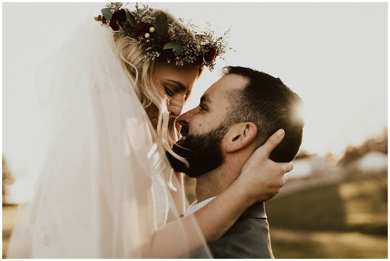 9348883e73 Hannah + Brian    Christmas Cabin Wedding – Lauren F.otography