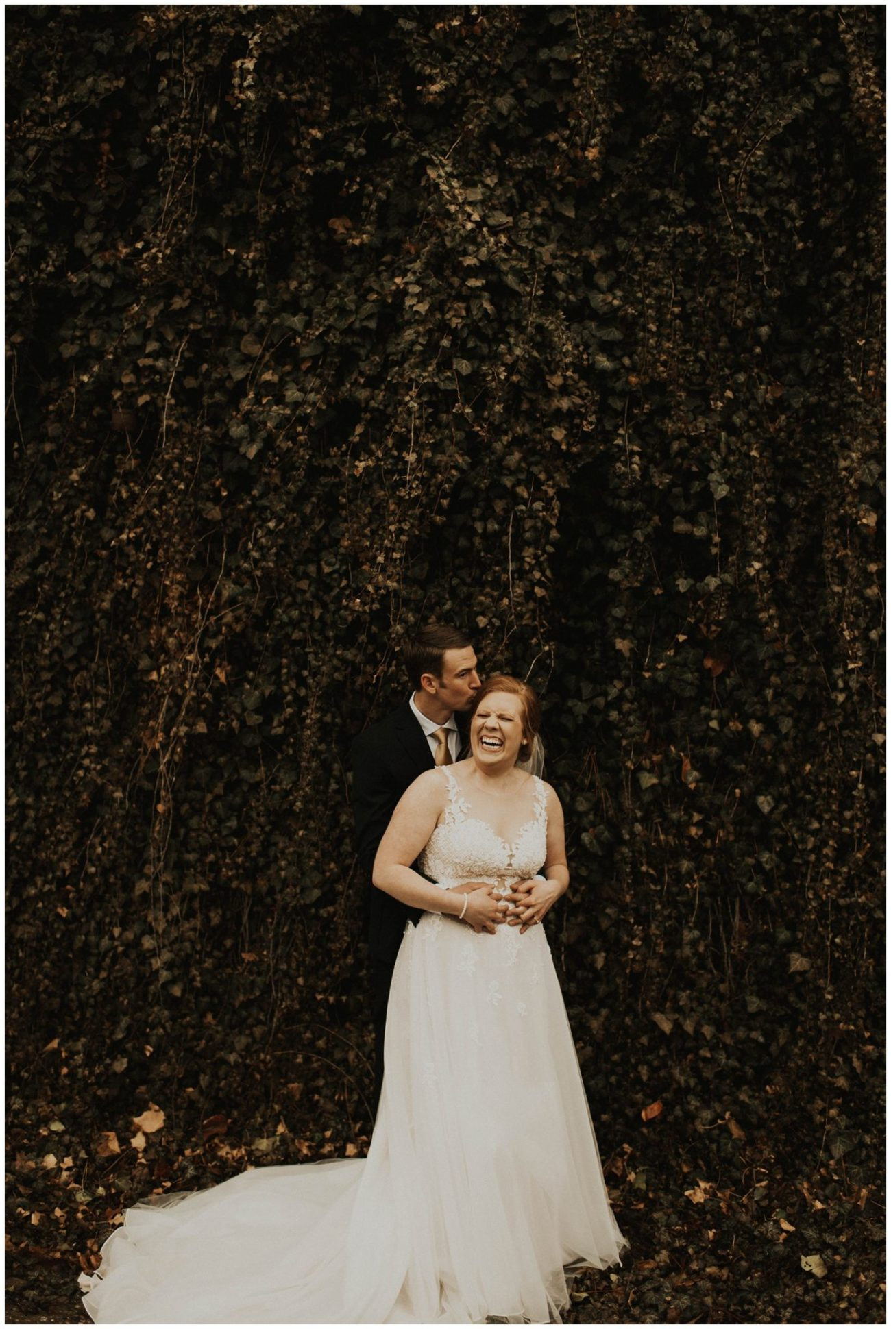 a4921f6a15 Johnny + Eliza // Classic Winter Wedding - Lauren F.otography ...