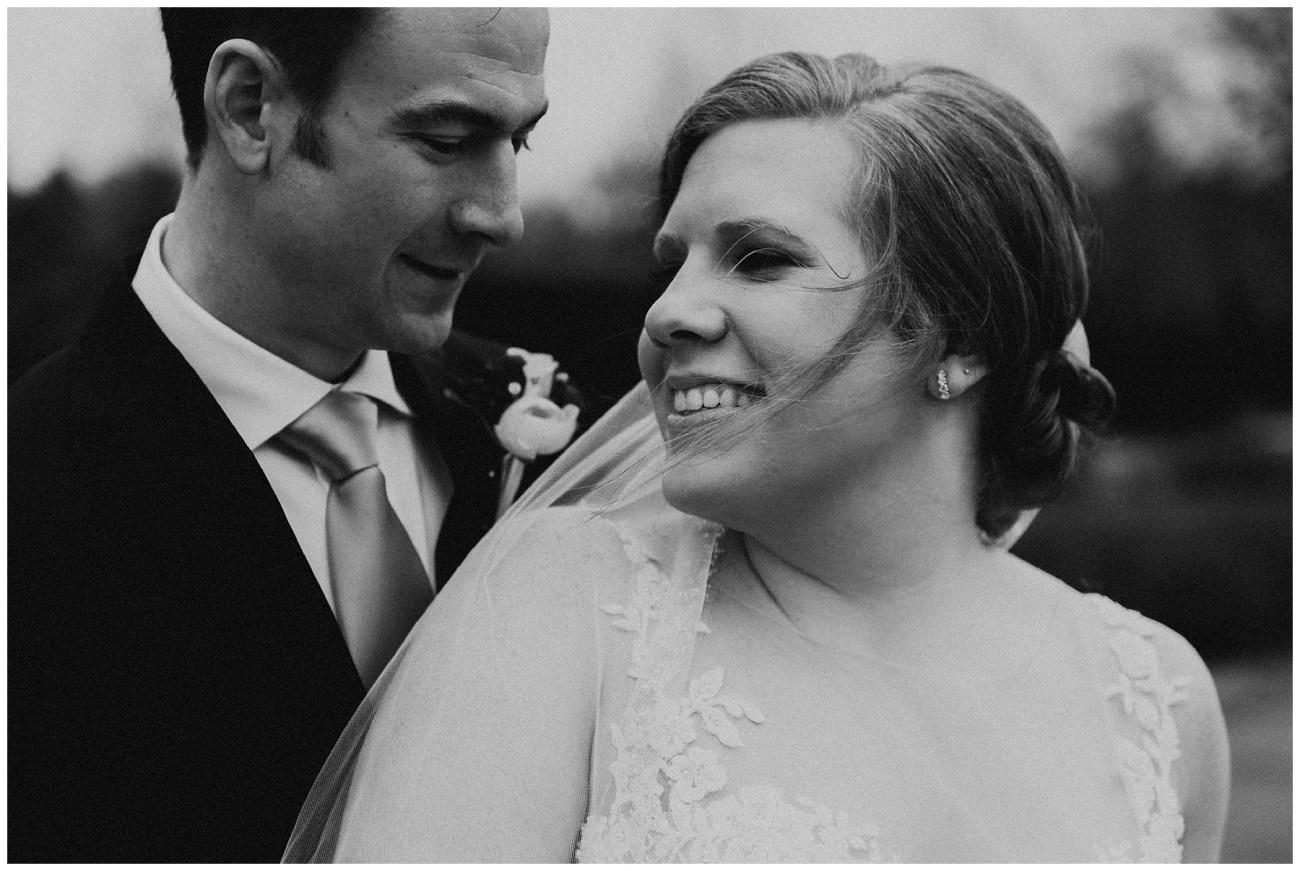 ac2d83ba6ef736 Johnny + Eliza // Classic Winter Wedding - Lauren F.otography ...