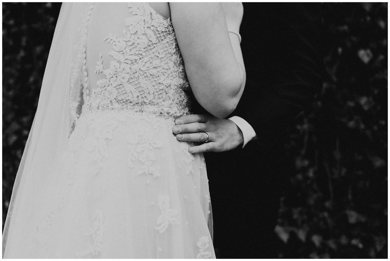 e731310b11 Johnny + Eliza // Classic Winter Wedding - Lauren F.otography ...