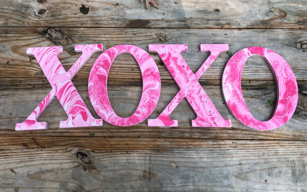 How To Make an Acrylic Paint Pour on Letters