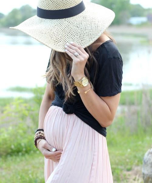 Maternity Style // Maternity Wardrobe Basics