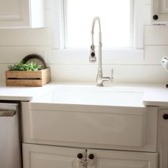 Best Pull Down Kitchen Faucet Cabinets Light Wood Home // How To Choose A Farmhouse Sink - Lauren Mcbride
