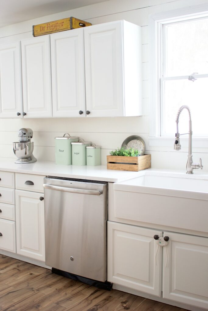 Farmhouse kitchen with Benjamin Moore Simply White