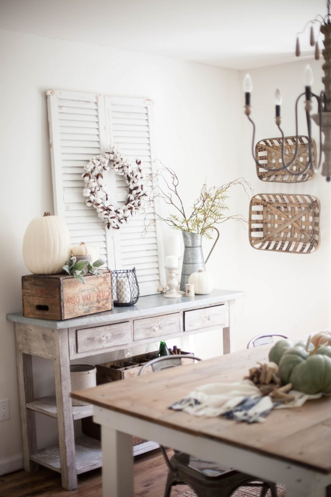 Simple Dining Room Design: Home // Fall Farmhouse Dining Room