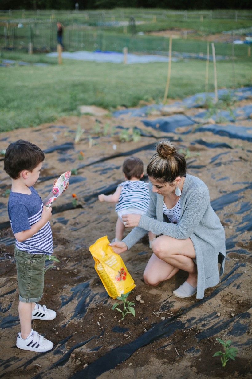 Planning on starting a garden? These tips on Gardening For Kids give ways to get the little ones involved!