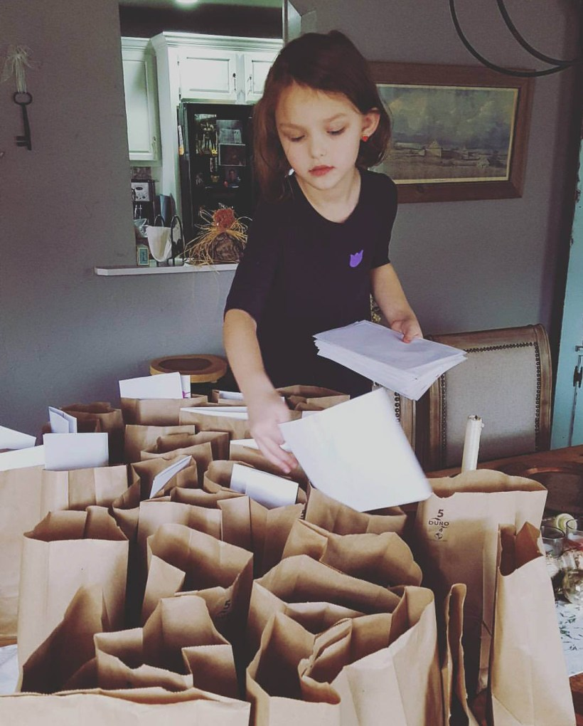 Connecticut life and style blogger Lauren McBride shares a Kindness Advent Calendar that focuses on spreading kindness and giving back to others during the holiday season.