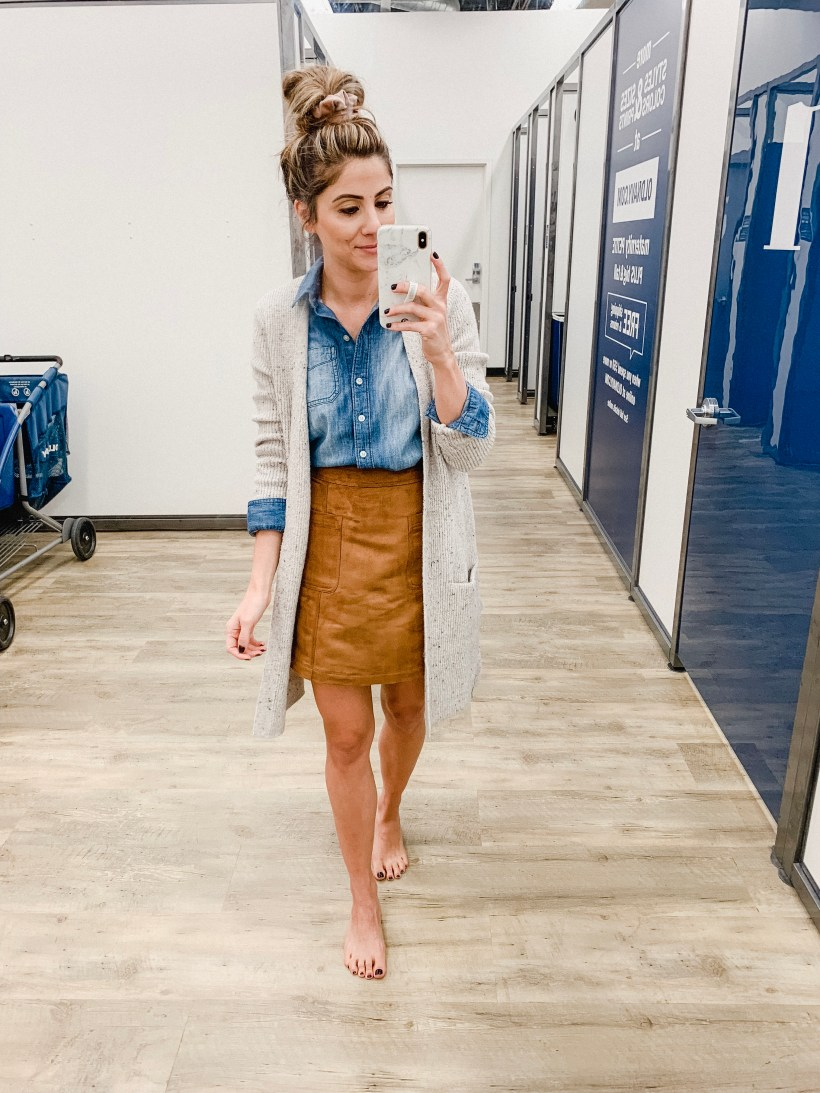 Connecticut life and style blogger Lauren McBride shares a November Old Navy Try On session featuring holiday ready casual and dressier looks!