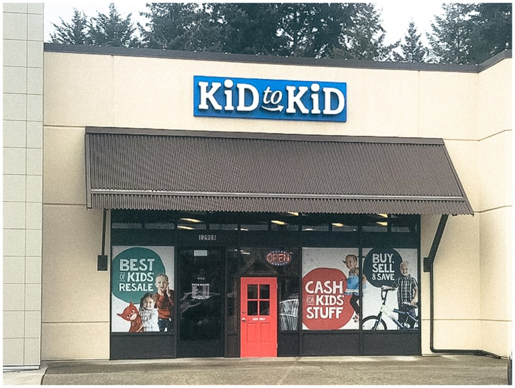 Kid to Kid Kent, Kid to Kid, Kent Store Front, Store Front, Kent Store Front, PNW Store Front, Kid Consignment Shop, PNW Kid Consignment Shop, Seattle, Lauren Ryan Photography, Commercial Photography, Kid Photographer