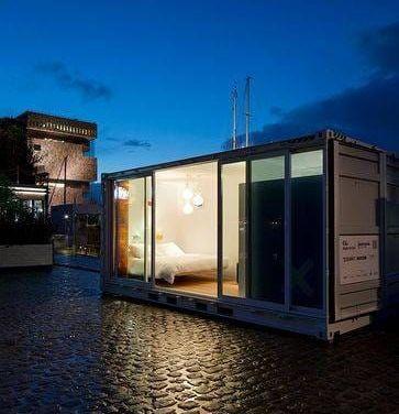 Un conteneur pour accueillir une chambre d'hôtel de luxe