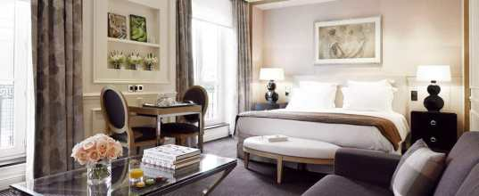 grand_hotel_du_palais_royale_hupargh_room_overview