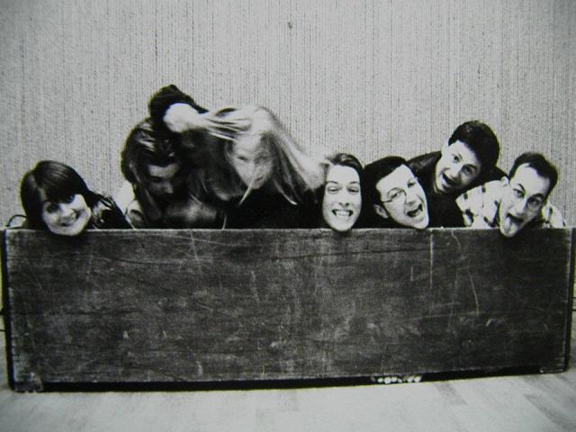 Premier Match des Etoiles - - LOLITA 1994 - avec, de gauche à droite : Chantal Niederlender, Marko Mayerl, Cédric Marillat, Etienne Bayart, Rudy Lebrun, Laurent Karouby et Fred Ridacker. Il s'agissait du Match de clôture de la toute première saison (au centre socio culturel de la robertsau, L'Escale). © Chantal N.