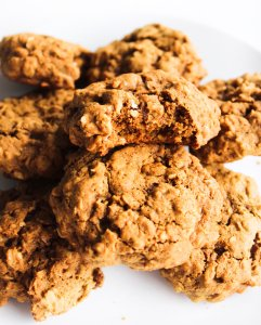 gluten free gingerbread maple oatmeal cookies