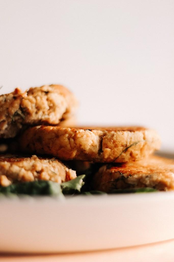 Whole-30 + Keto Salmon Burgers With A Lemon Garlic Sauce
