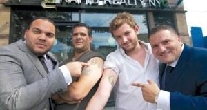 Des employés tatoués