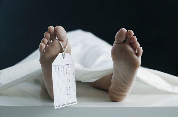 Ivre mort, il se réveille à la morgue dans un sac à cadavre après une grosse soirée