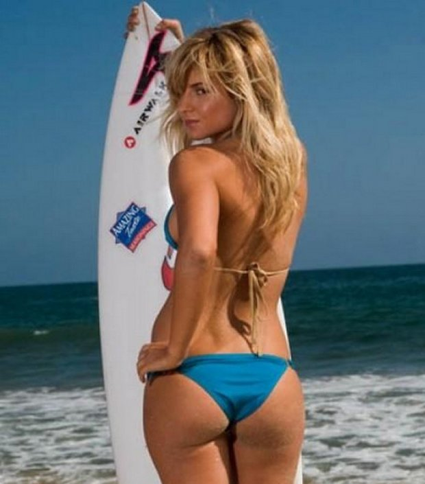 Anastasia Ashley, surf