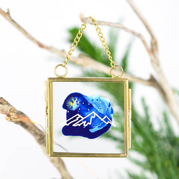 Glas ornament met berg (klein)