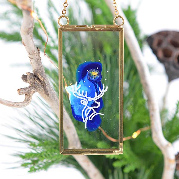 Glas ornament met hert – langwerpig