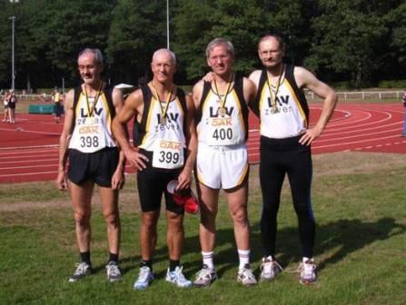 Deutscher Meister 4x100m Staffel M50 v.l.n.r.: Helmut Meier, Hans-Georg Müller, Jürgen Umann und Joachim Hickisch