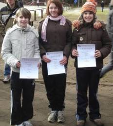 Carolin Drewes, Mareike Wehe und Alicia Peper (re.).