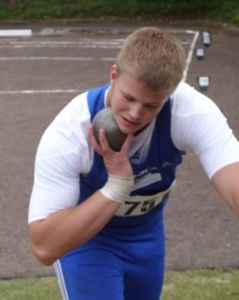 Sieger im Kugelstoßen der mJB mit über 17,75m Dennis Lewke, SC Neubrandenburg