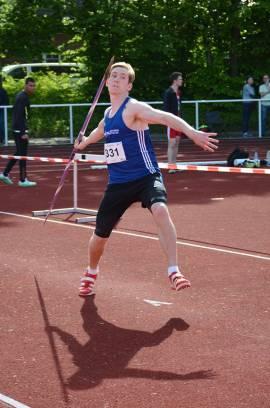 Paul Teßmer (1. LAV Rostock) siegte im Speerwurf der männlichen Jugend U20 mit 57,10m.