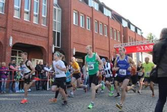 Nach dem Startschuss 5km Stadtwerke-Jedermannlauf