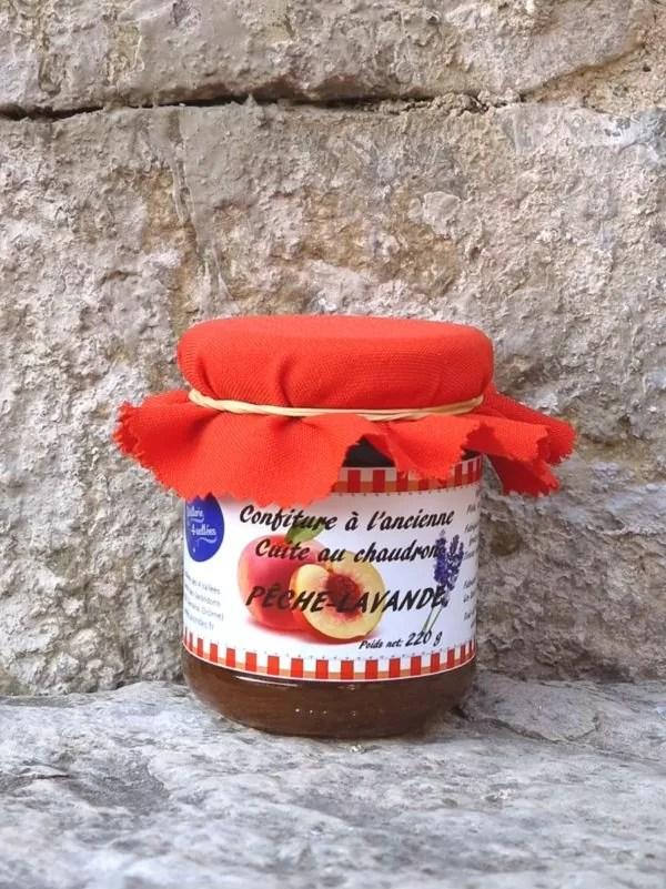 confiture peche ou abricot et fleurs de lavande