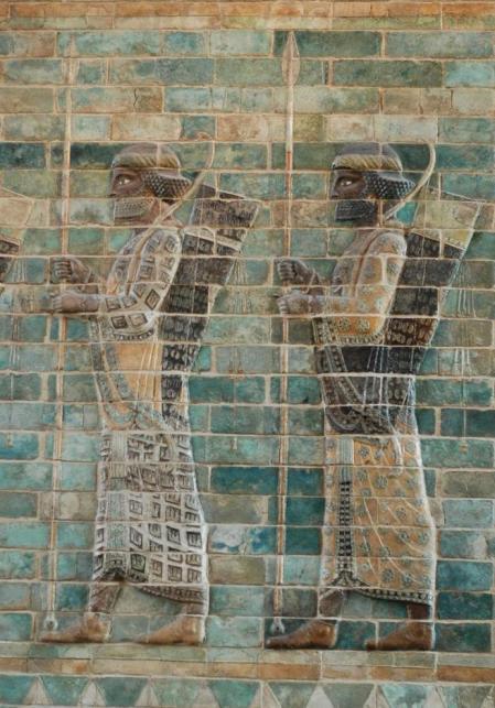 Guerreros persas con arco y flechas, relieve mural en el palacio de Darío.