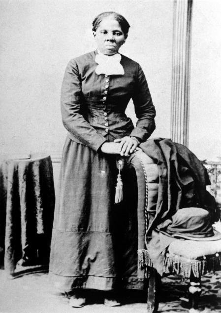 Harriet Tubman, una antigua esclava fugitiva apodada 'Black Moses', ayudó a escapar a casi un centenar de esclavos poniendo en riesgo su propia libertad