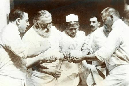 Bergmann y sus asistentes.