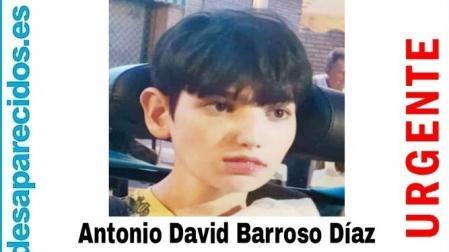 El cartel con la imagen del menor desaparecido