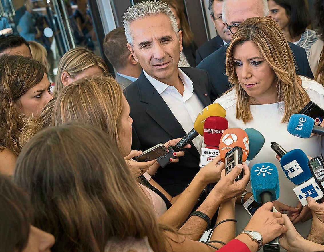 Susana Díaz ahir a Sevilla va tornar a defensar que Chaves i Griñán són persones 'honestes i íntegres'