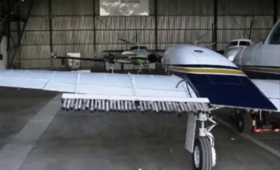 Esta es, presuntamente, una de las avionetas encargadas de lanzar yoduro de plata para disipar nubes | YouTube